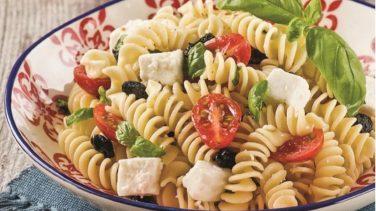 Ezine Peynirli Makarna Salatası