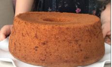 Çok kabaran, katı yağsız, tam ölçülü portakallı şifon kek tarifi