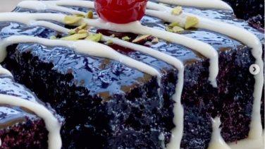 Sufle Tadında Bol Soslu Islak Kek