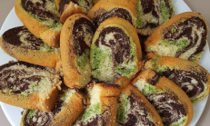 Üç renkli mozaik kek